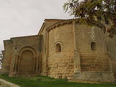 Abside románico de la iglesia de San Fructuoso, en Valoria del Alcor.