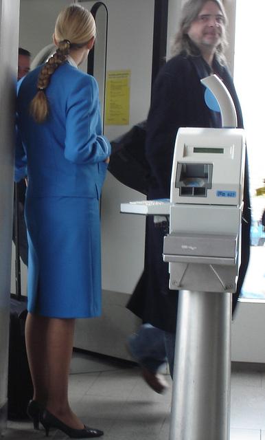 Entering Schiphol ! Sourire complice....