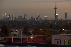 Frankfurts Skyline, von ganz weit draußen