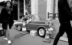 Paris - Hey baby, want U make a ride with me ???  - Hé meuf, met ton voile, cht'ammène au paradis !!!