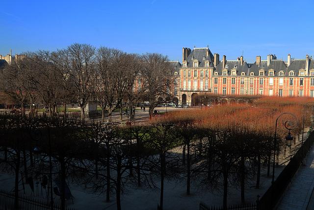 Un Nouveau Regard sur la Place des Vosges