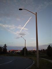 Trait de craie céleste au levant /  Chalk skyline rising