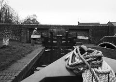Working the locks on the Staffordshire and Worcestershire canal 2