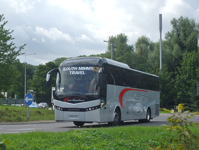 DSCF9115 South Mimms Travel BX61 DXE on the A11 at Barton Mills - 5 Aug 2017