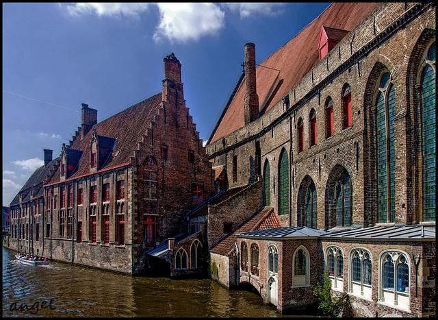 Brugge - Old Hospital   .  .  {a.r}