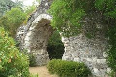 Ruines du château de la Madeleine