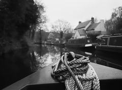 On the Staffordshire and Worcestershire Canal 1