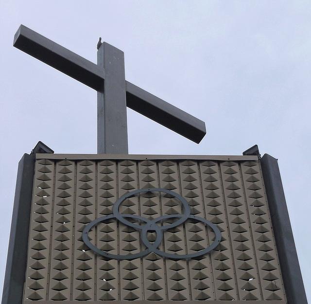"""Sainte-Trinité...un pigeon à la """" foi """""""