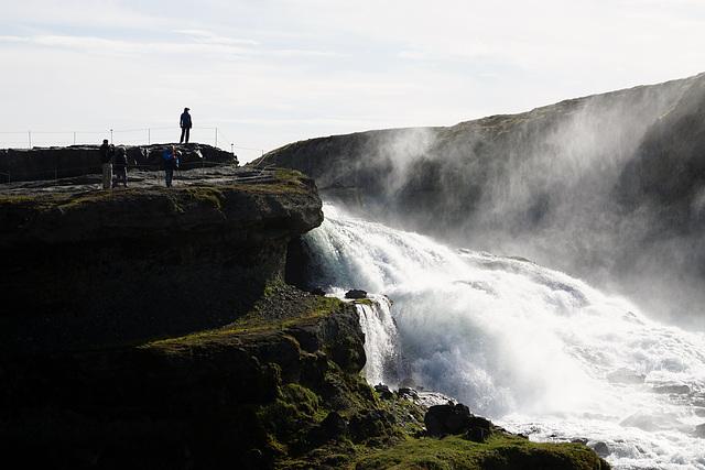 Die pure Urgewalt des isländischen Wasserfalls Gullfoss  - The pure elemental force of the Icelandic waterfall Gullfoss