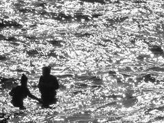 Hvar - deux femmes à la mer