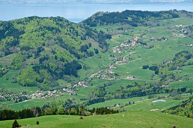 Vue sur Habère-Poche depuis la Pointe de Miribel