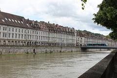 Besançon (25). Juin 2016. Le Quai Vauban.