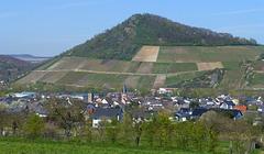 Blick auf Heimersheim und die Landskrone