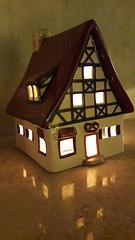 Kleine Dorfbäckerei als Lichthaus