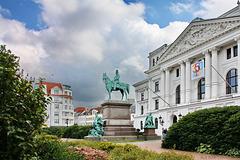Hamburg Altona, Rathaus und Kaiser-Wilhelm-Denkmal