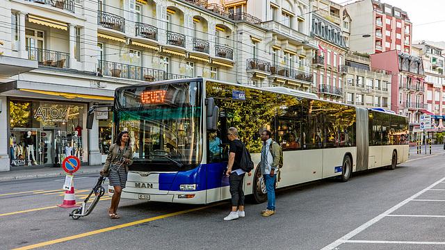 170617 bus TL Montreux