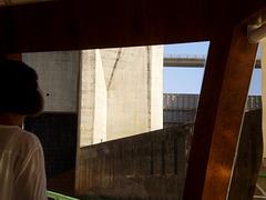 Entering the lock of Carrapatelo Dam (1972).