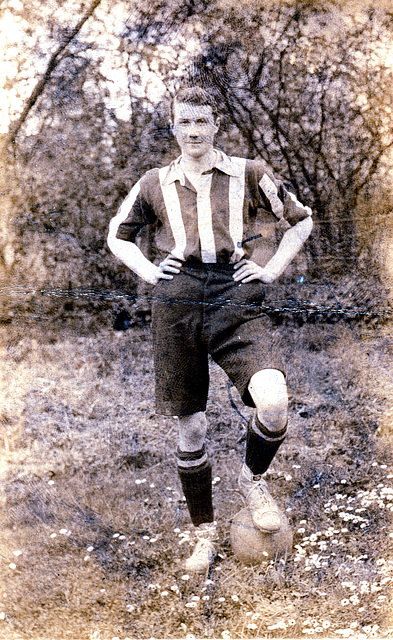 Unidentified footballer c1920