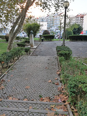 Small garden between Benfica's blocks - I