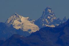 Le Cervin ? à droite du Mt Pourri
