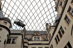 Rauten-Membrandach über dem kleinen Schlosshof des Residenzschlosses Dresden