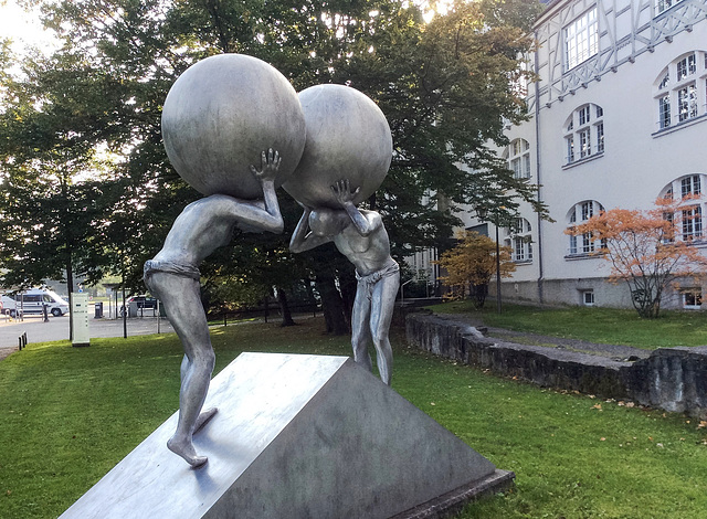Atlas-Skulpturen in Lindau am Bodensee