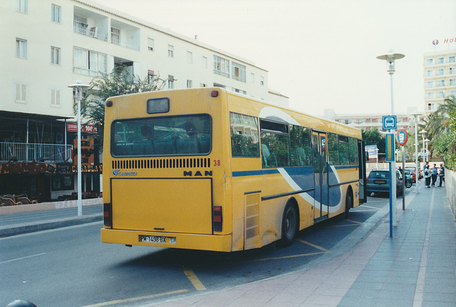Catalina Marques 38 (PM 1498 BX) - 27 Oct 2000
