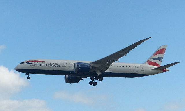 G-ZBKG approaching Heathrow - 8 July 2017