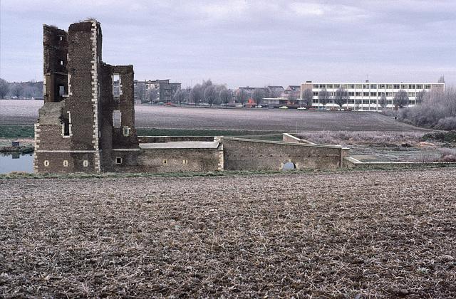 Ruïne van Kasteel Schaesberg Landgraaf/Heerlen 1985
