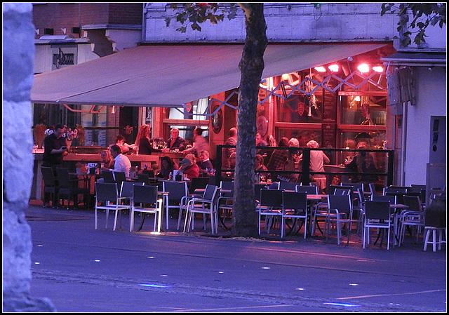 Hangout pub