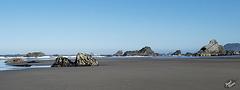 Rock-Strewn North Harris Beach (+5 insets!)