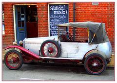 Fraser Nash 1925 at The Eagle, Arundel 26 8 05