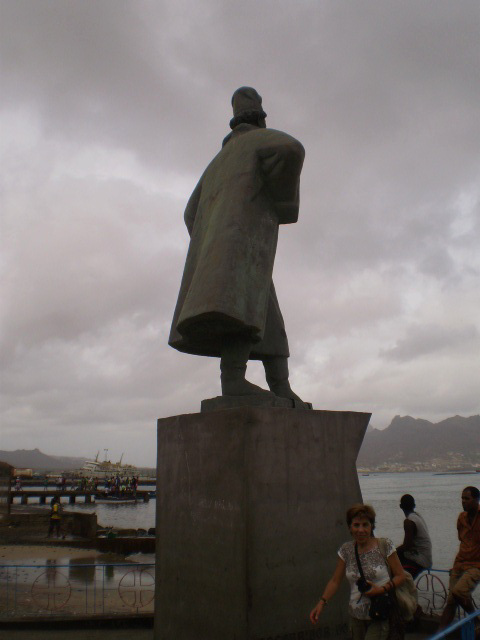 Statue of Diogo Afonso.