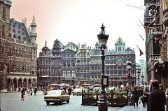 Bruxelles (B) 14 mai 1977. (Diapositive numérisée). La Grand-Place.