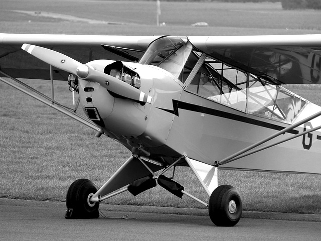 G-HEWI at Turweston (2M) - 22 March 2016