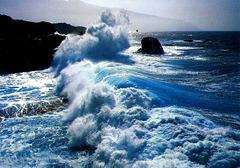 The Atlantic wants to go ashore... ©UdoSm