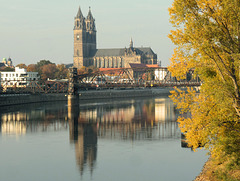 Die Elbe mit dem Dom zu Magdeburg >St. Mauritius und Katharina<