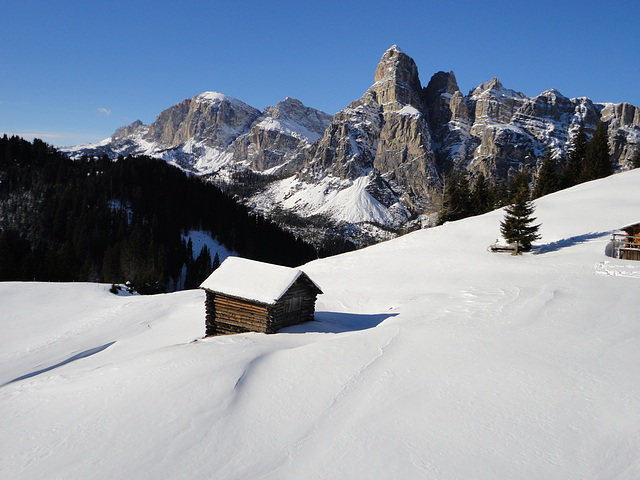 Val Badia in bianco