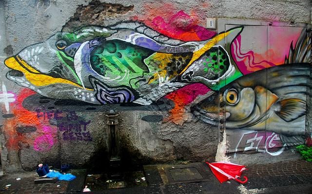 Fisch und Regenschirm