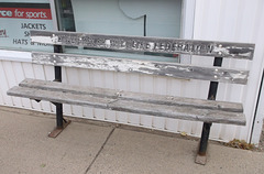 Wildlife bench / Banc sauvage