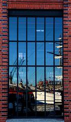 Reflektion, Hamburg - Fenster zur Welt