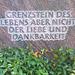 Grabstein - tomboŝtono - pierre tombale