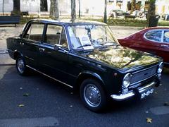 Fiat 124 (1974).