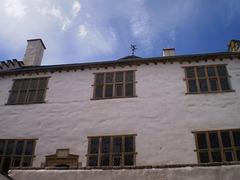 Elizabethan house (1585).