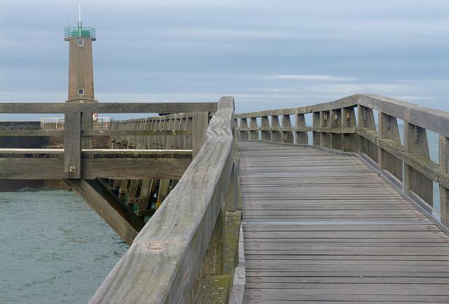 ...il suffit de passer le pont ...