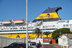 TOULON: Le port 11