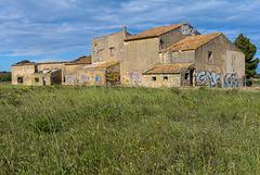 Vielles ruines squattées et taggées  #2 !  ( 6 notes )