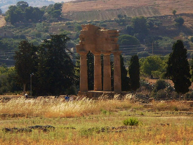 Temple of Castor and Polux.