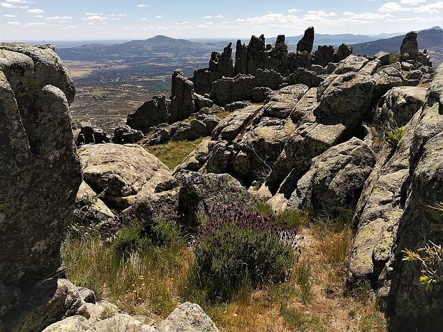 Las Agujas de El Cancho Gordo. Granite country.