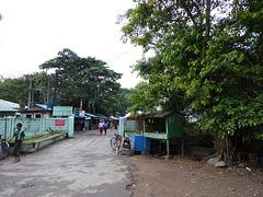 Seitenstraße neben dem Hotel in Yangon